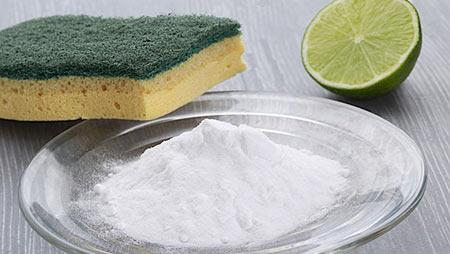 Bicarbonato per pulizia dei lavelli in acciaio