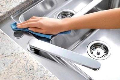 Come pulire l'acciaio inox con prodotti naturali